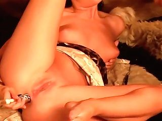 Vanessa Bliss And Her Girl/girl Friends Are Masturbating All Night