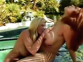 Latina Has Oral Hump With Lezzy Friend