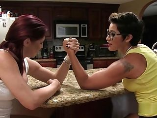 Excellent Female Armwrestling
