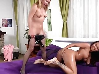 Moist Belt Cock And Massager For Lesbo Piss Queen