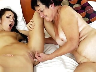 21sextreme Nubile Facesits On Grand-ma