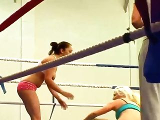 Jenna Lovely And Liza Del Sierra In The Grappling Ring