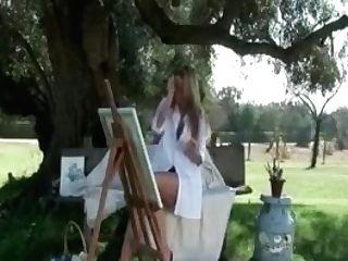 Amazing Lady Getting
