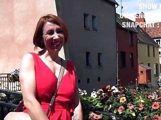 Julie Cougar Se Fait Prendre Dans Les Bois