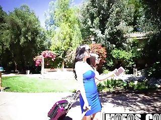 Mofos - Gals Gone Pink - Darcie Dolce Sofi Ryan - Girly-girl Bathroom Hookup